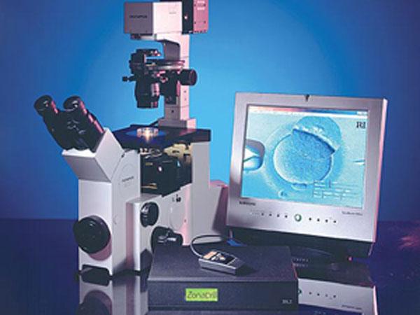 laser-assisted-hatching-img2-delhi-ivf