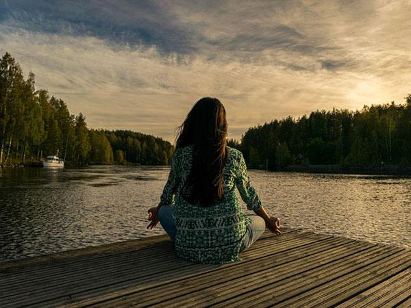 yoga-in-pregnancy-img1-delhi-ivf